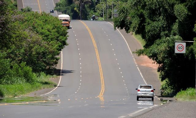 dvouproudová silnice