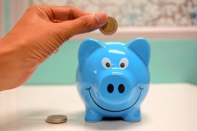 modré prasátko, pokladnička, mince